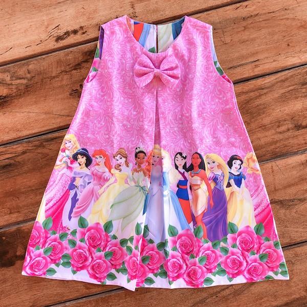 Vestido Trapézio Princesas sem Manga