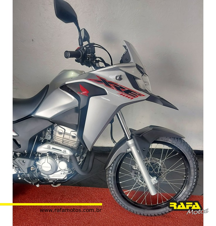 HONDA XRE300 PRATA - 0KM