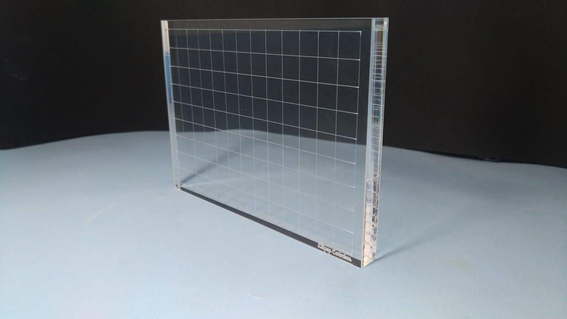 Base Acrílica 14x10 cm com grade