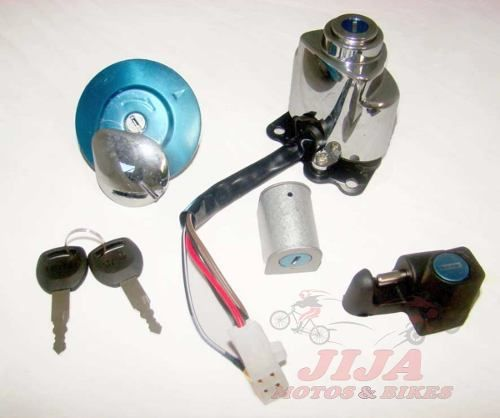 Conjunto Travas Chaves Shadow Vt 600 , Vt 750 Modelo