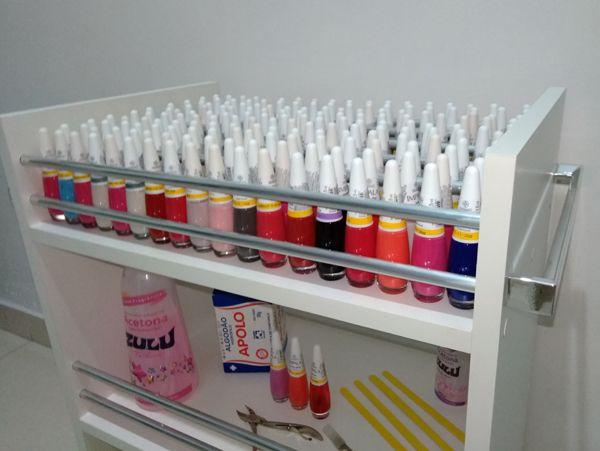 Carrinho auxiliar c/ rodízios P/ manicures C/compartimento p/ até 150 esmaltes  - Virtude Móveis
