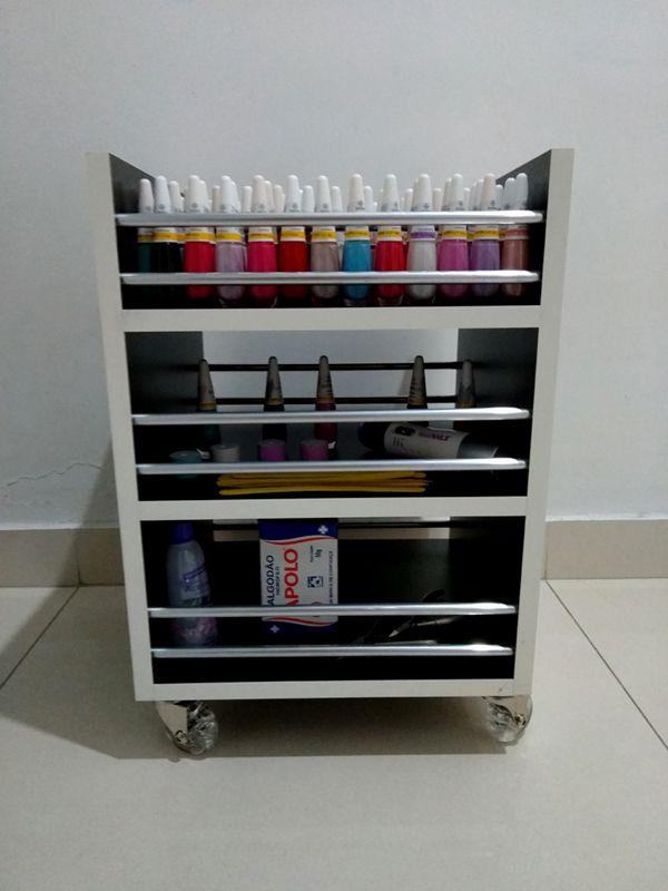 Carrinho auxiliar MDF PRETO c/rodízios P/manicures 33x45x30 3 bandejas p/até 120 esmaltes TIPO Cirandinha  - Virtude Móveis