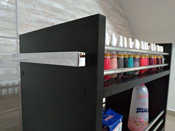Carrinho auxiliar P/ manicures ALUMINIO preto C/compartimento p/ até 150 esmaltes  - Virtude Móveis