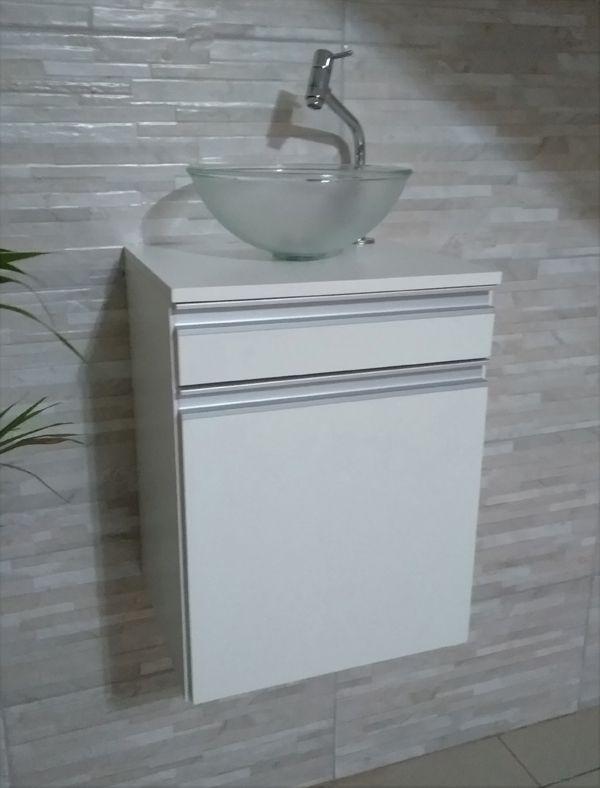 Gabinete p/banheiro MDF BRANCO C/ porta e gaveta+CUBA+TORNEIRA+VÁVULA+SIFÃO  - Virtude Móveis