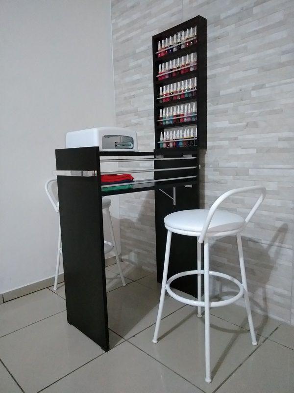KIT Manicure 60cm  Mesa com expositor todo preto c/ Barras aluminio  - Virtude Móveis