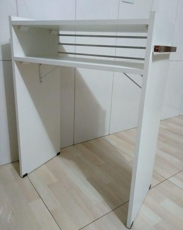 Mesa P/Manicure C/Alças cromadas p/ toalhas c/ 3 barras de aluminio  - Virtude Móveis