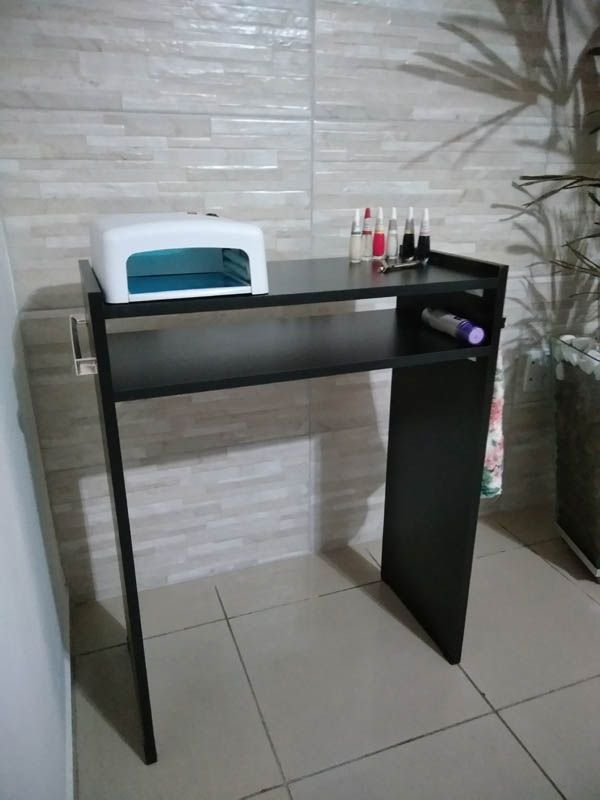 Mesa P/Manicure Mdf Preto 60cm c/ prateleira e alças cromadas  - Virtude Móveis