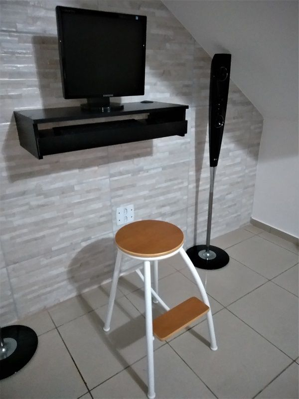 Suporte suspenso para monitor,com gaveta para teclado MDF PRETO  - Virtude Móveis