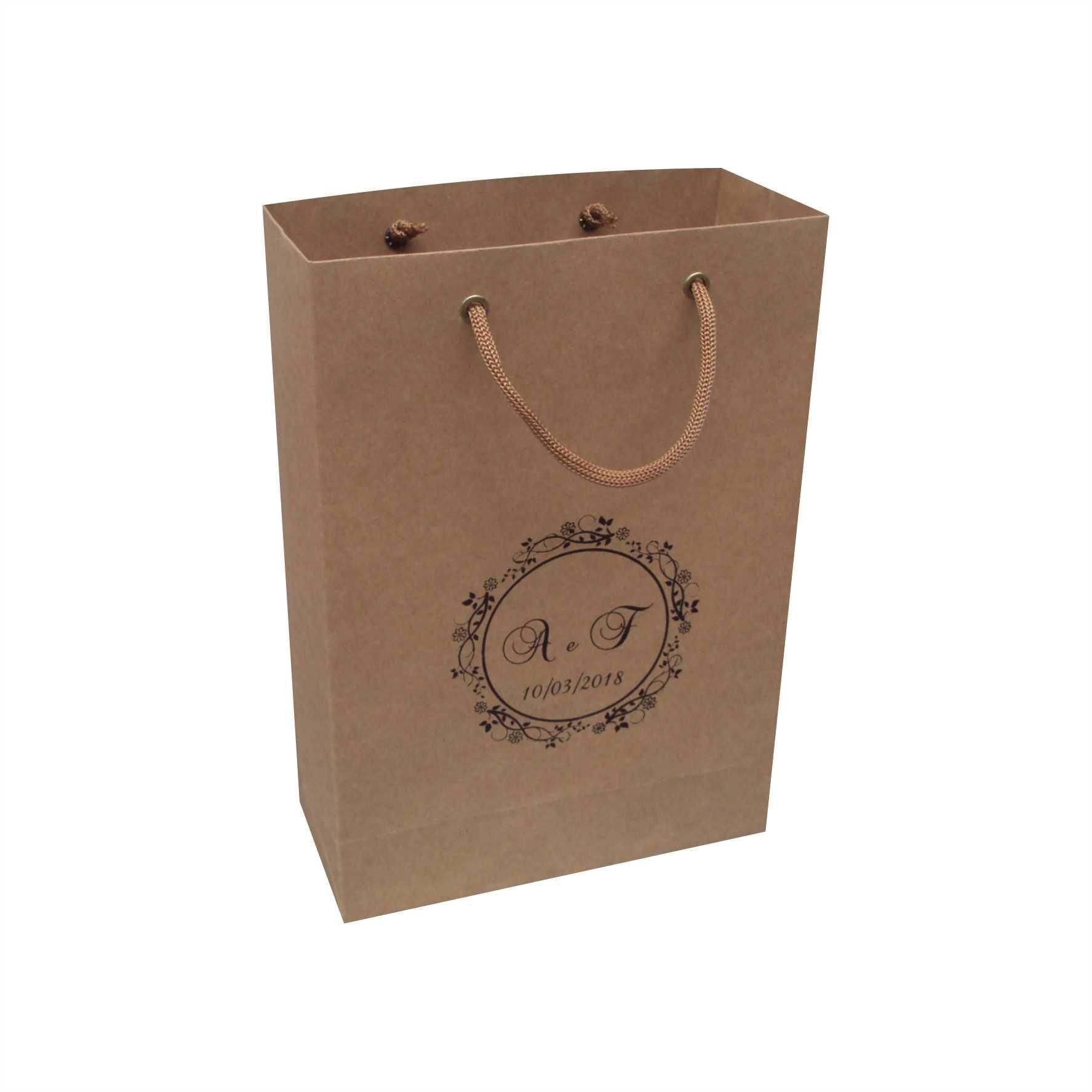 Sacola de  papel kraft personalizada  para lembrança de casamento (18x25x8 cm) 50 unidades