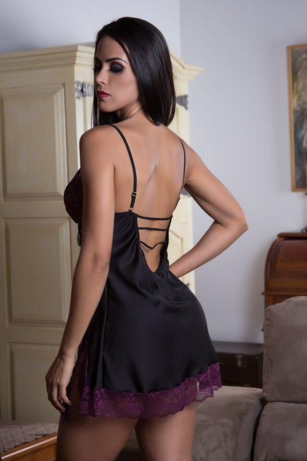 Camisola Strappy Bra preta e roxa com fenda lateral