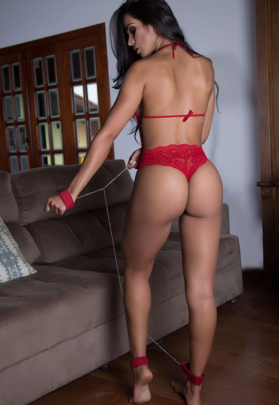 Fantasia feminina Body Vermelho em Renda de Prisioneira
