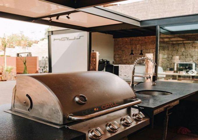 Churrasqueira a Gás Americana em Inox com 4 Queimadores Decorgrill  - Decorgrill - A certeza do melhor para o seu espaço gourmet!