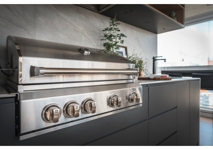Churrasqueira Evol Florence a Gás com 4 Queimadores Infrared e espeto Rotativo  - Decorgrill - A certeza do melhor para o seu espaço gourmet!