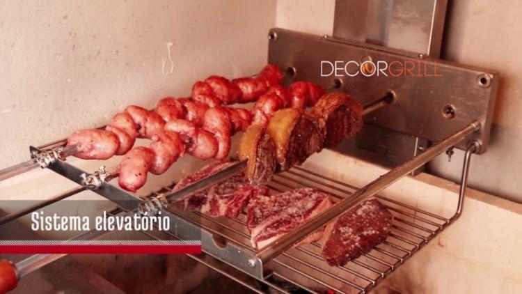 Churrasqueira VersaGrill Rotativa e Elevação Felesa em Inox  - Decorgrill - A certeza do melhor para o seu espaço gourmet!