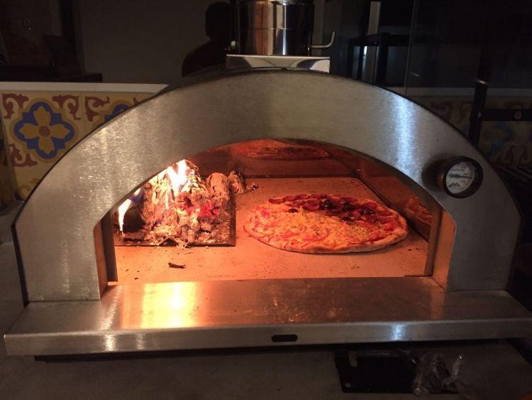 Forno para Pizza Gourmet 602IN Amarelo Metávila  - Decorgrill - A certeza do melhor para o seu espaço gourmet!