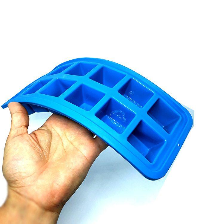 Forma de Gelo Quadrada Azul