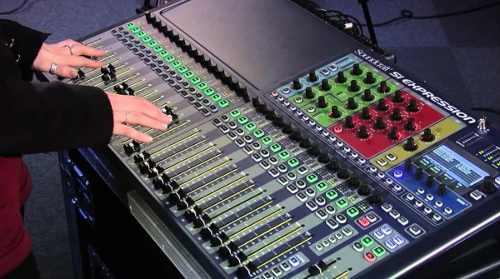 Mesa De Som Digital Soundcraft 32 Canais SI EXPRESSION-3