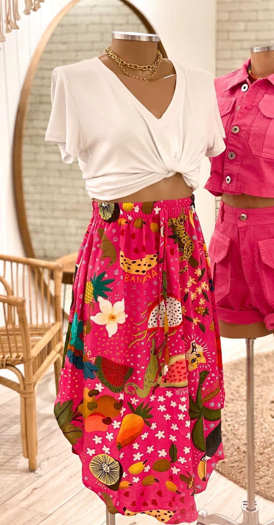 Saia Alessandra + T-Shirt Gola V Básica