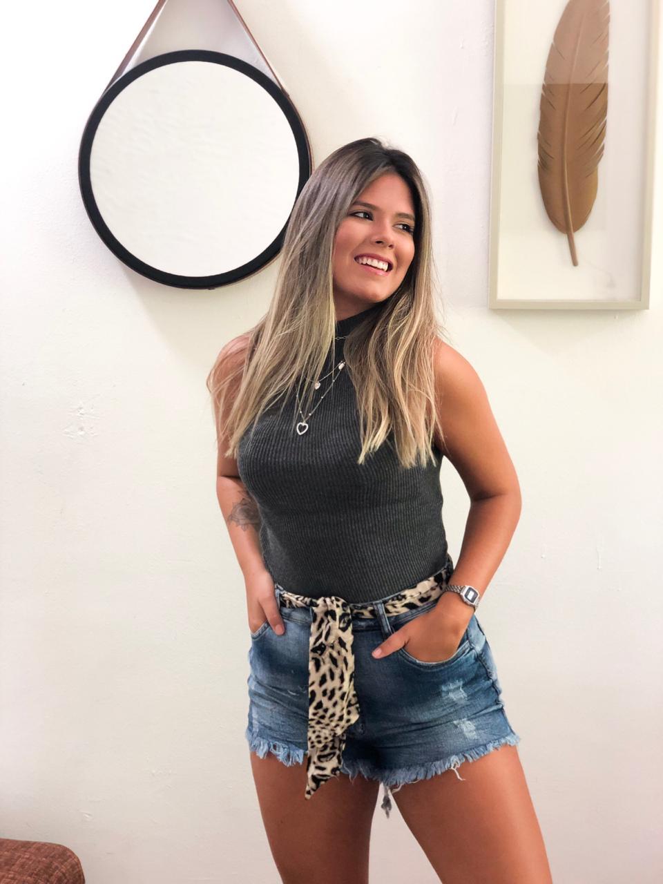 SHORT JEANS + LENÇO ONÇA