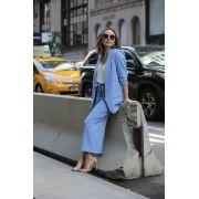 Blazer Alongado e Calça Pantacourt Alfaiataria Feminina Azul Serenity