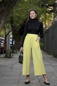 Calça Pantacourt com Botões Alfaiataria Amarelo