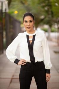 Camisa Gola Careca Crepe Preto/Branco