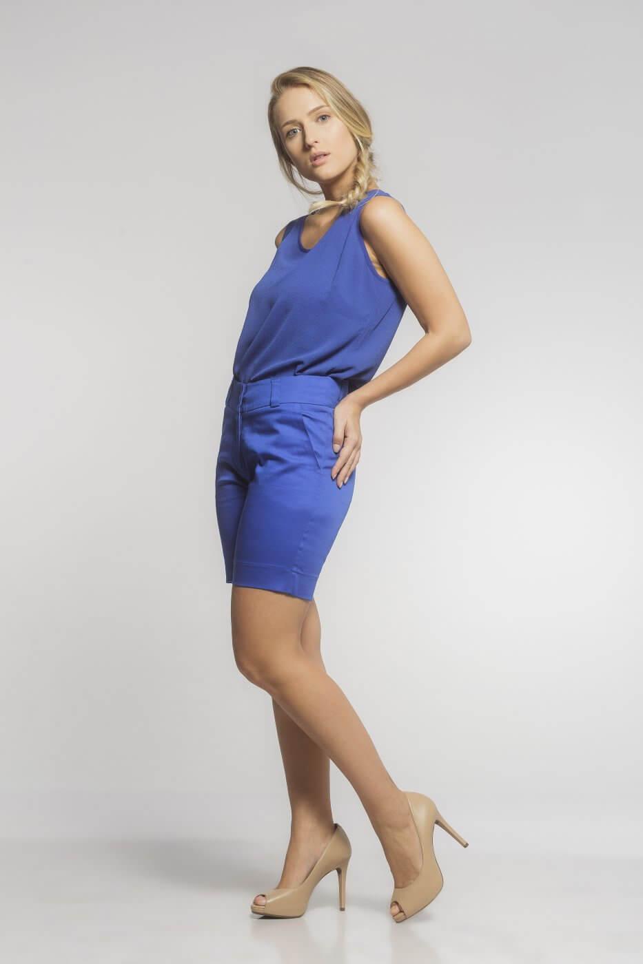 Bermuda Feminina de Sarja Azul Bic