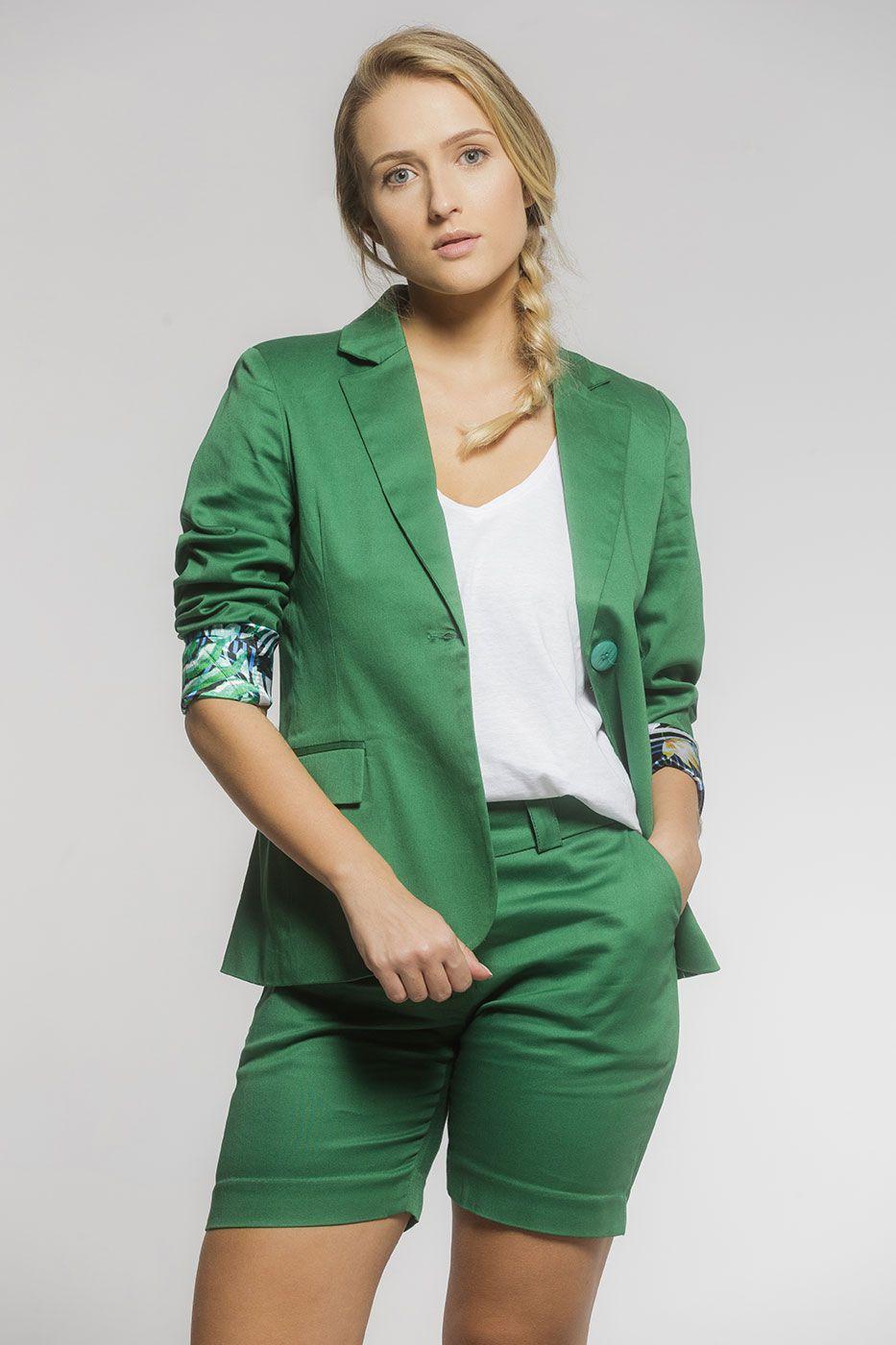 Bermuda Social Alfaiataria Feminina de Sarja Verde