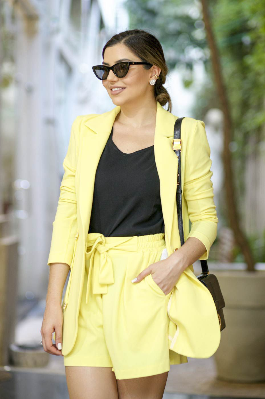 Blazer Parka Feminino e Short Clochard Amarelo