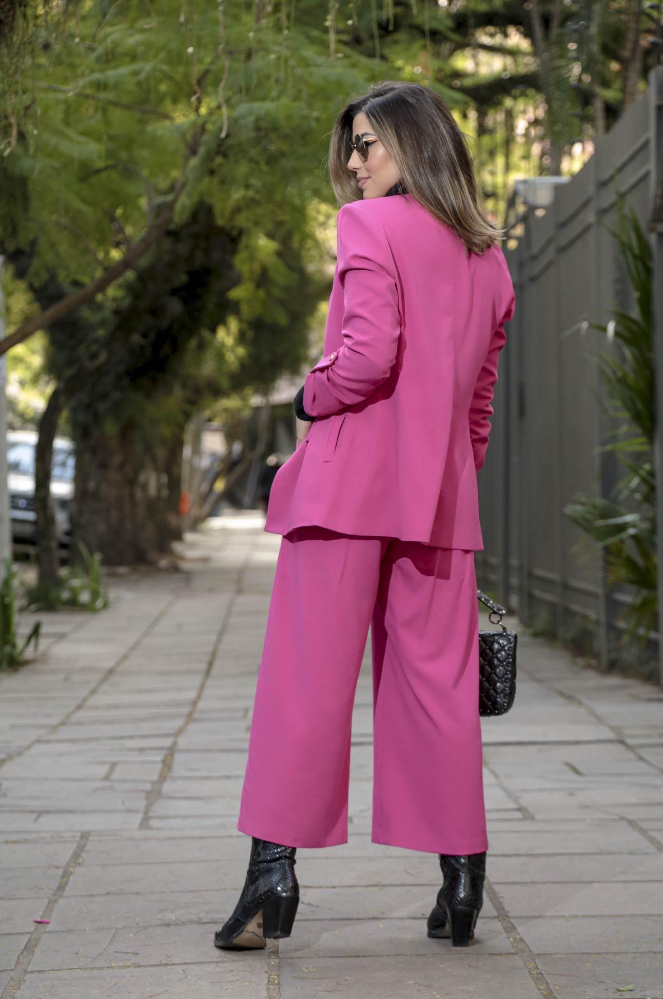 Calça Pantacourt com Botões Alfaiataria Feminina Rosa Pink