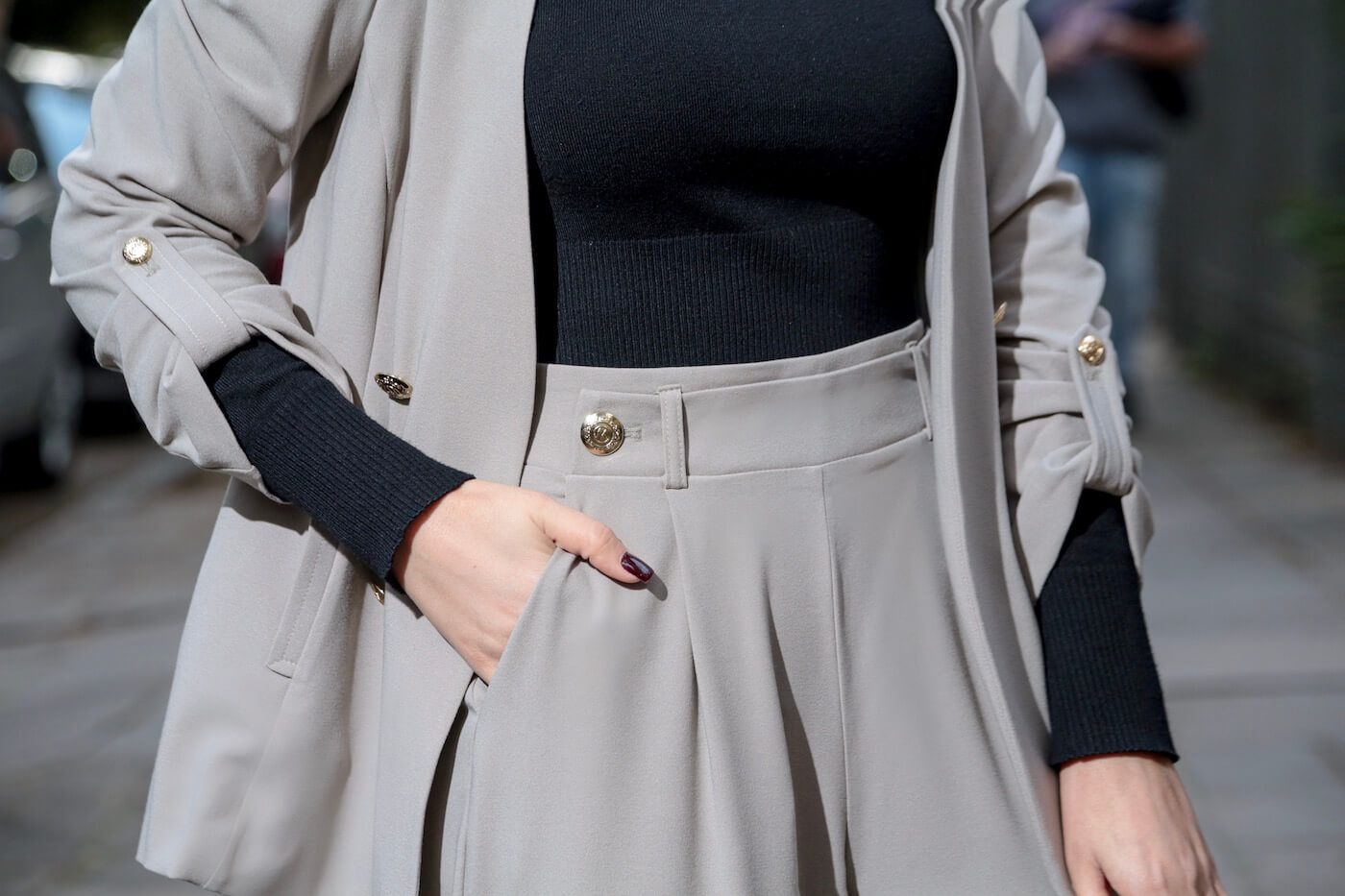 Calça Pantacourt com Botões Alfaiataria Feminina Fendi