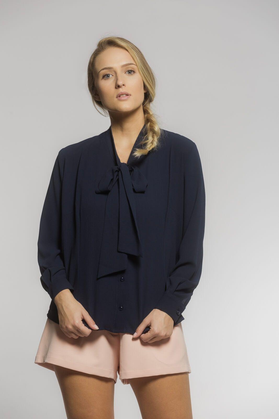 Camisa Gola Laço Crepe Azul Marinho