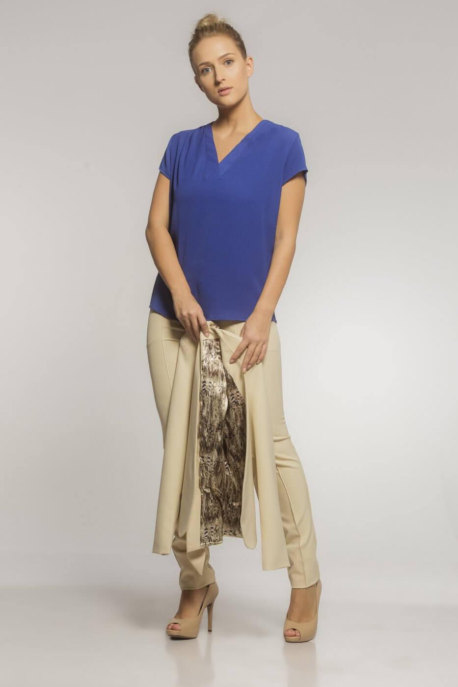 Blusa Social Feminina Decote Gola V Blooms em Crepe Azul Bic