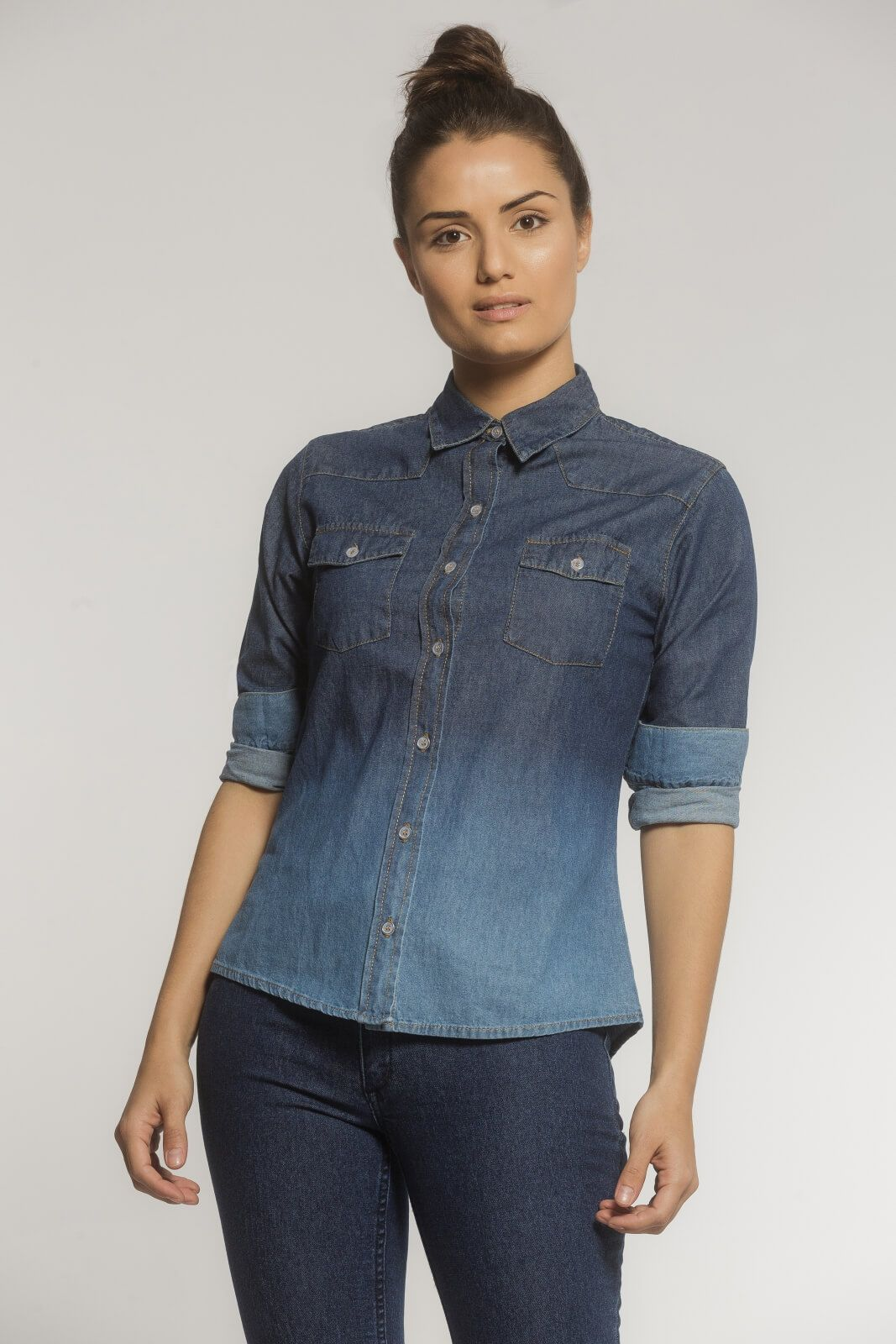 Camisa Feminina Alfaiataria Jeans Degradê