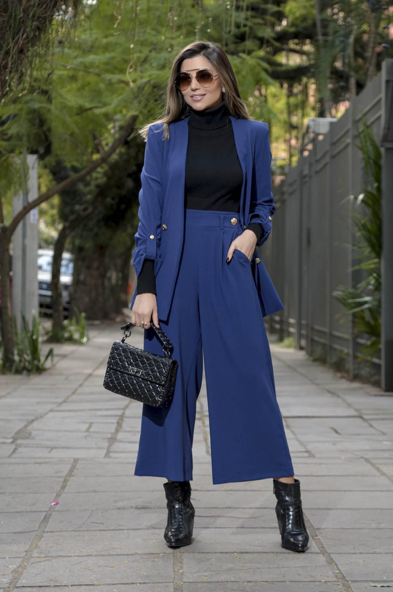 Conjunto em Alfaiataria Feminina Azul Marinho
