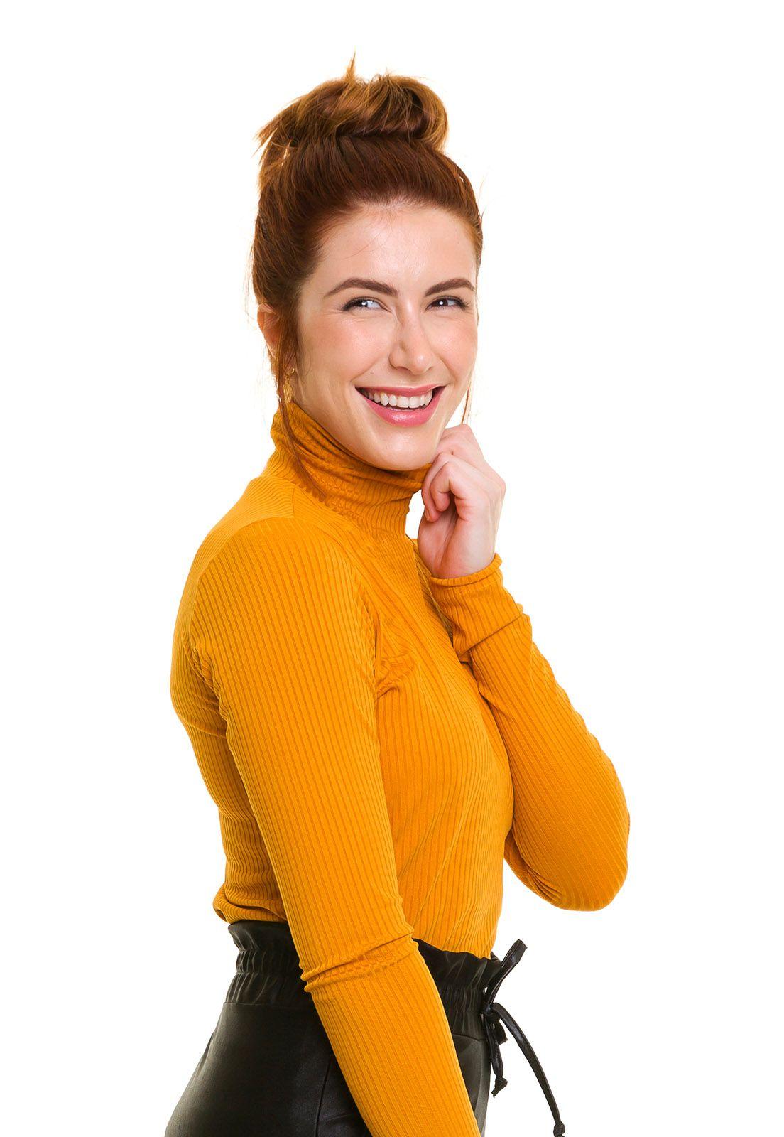 Blusa Gola Alta Canelada Amarela
