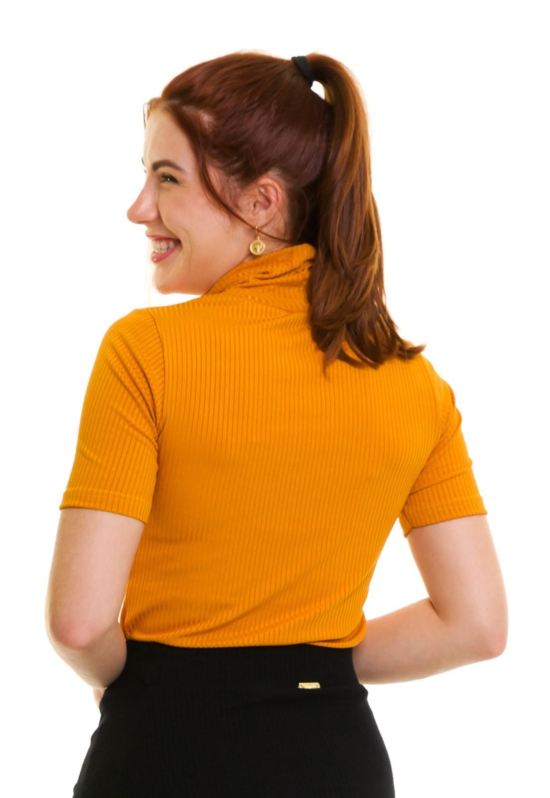 Blusa Gola Alta Canelada  Manga Curta Amarela