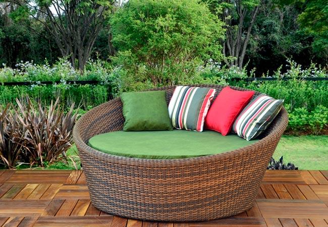 Sofá Redondo Camocim 1,60m com Almofada Assento e 4 Almofadas Decorativas