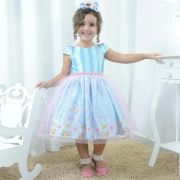 Vestido festa infantil com borboletas e tule rosa sobre a saia