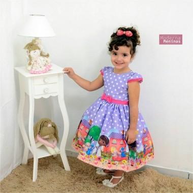 Vestido festa infantil com tema da doutora brinquedo