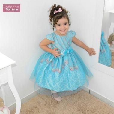 vestido festa infantil floral com tule azul sobre a saia