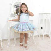 Vestido infantil tema LOL Surprise com tule azul sobre a saia