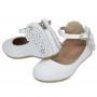 Sapatilha infantil branca no couro e pérolas formato borboleta - Toke/Kimey