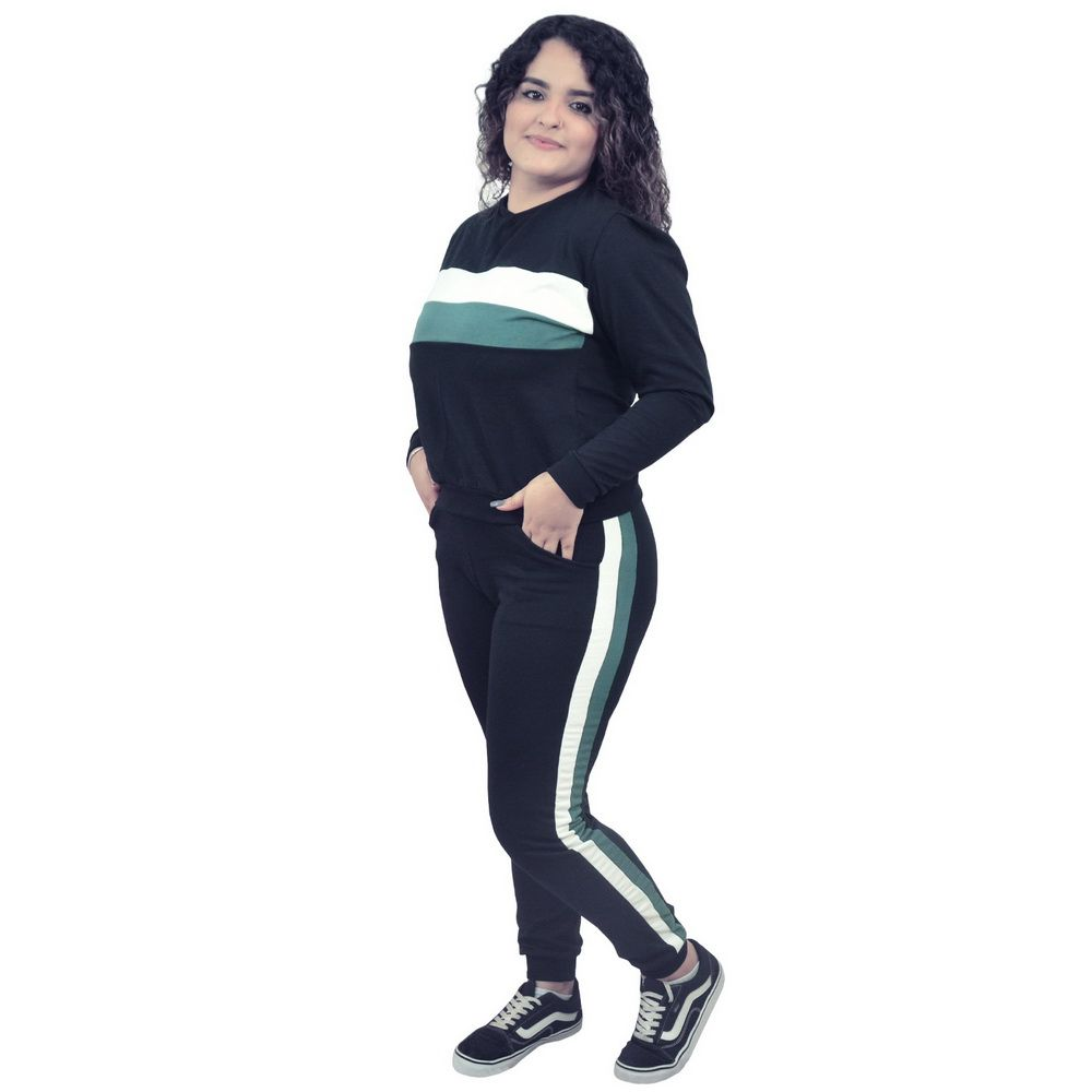 Conjunto Moletinho Feminino preto com detalhes no branco e verde