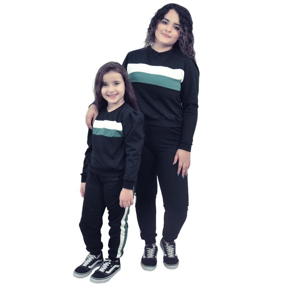 Conjunto Moletinho Mãe e Filha Preto com detalhes no branco e verde