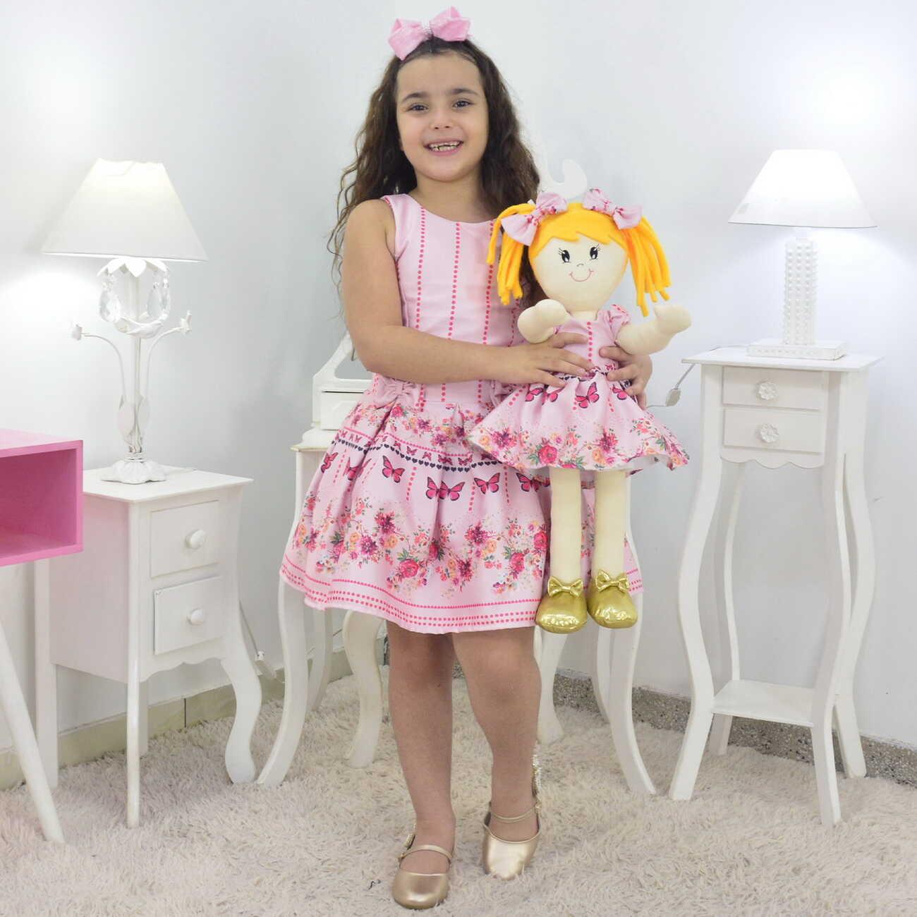 Tal Menina Tal Boneca Helo - Vestido Rosa Bebê Com Borboletas