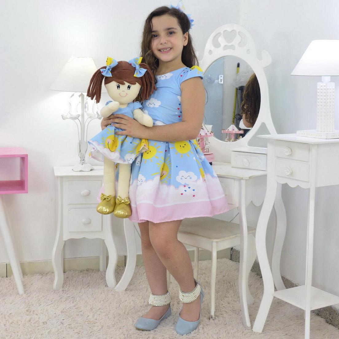 Tal Menina Tal Boneca Mari - Vestido Raio De Sol e Chuvas de Amor