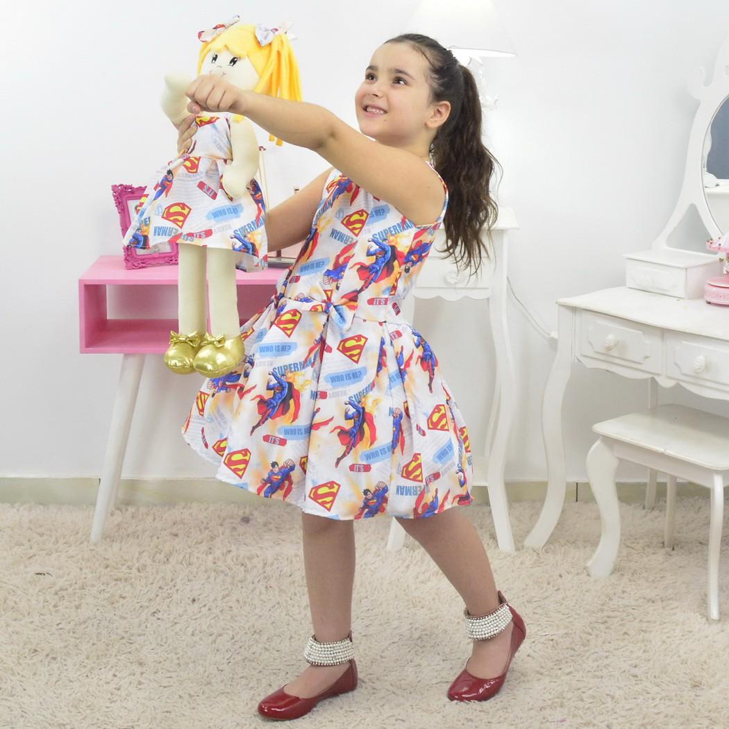 Tal Menina Tal Boneca - Vestido Superman e Boneca de Pano