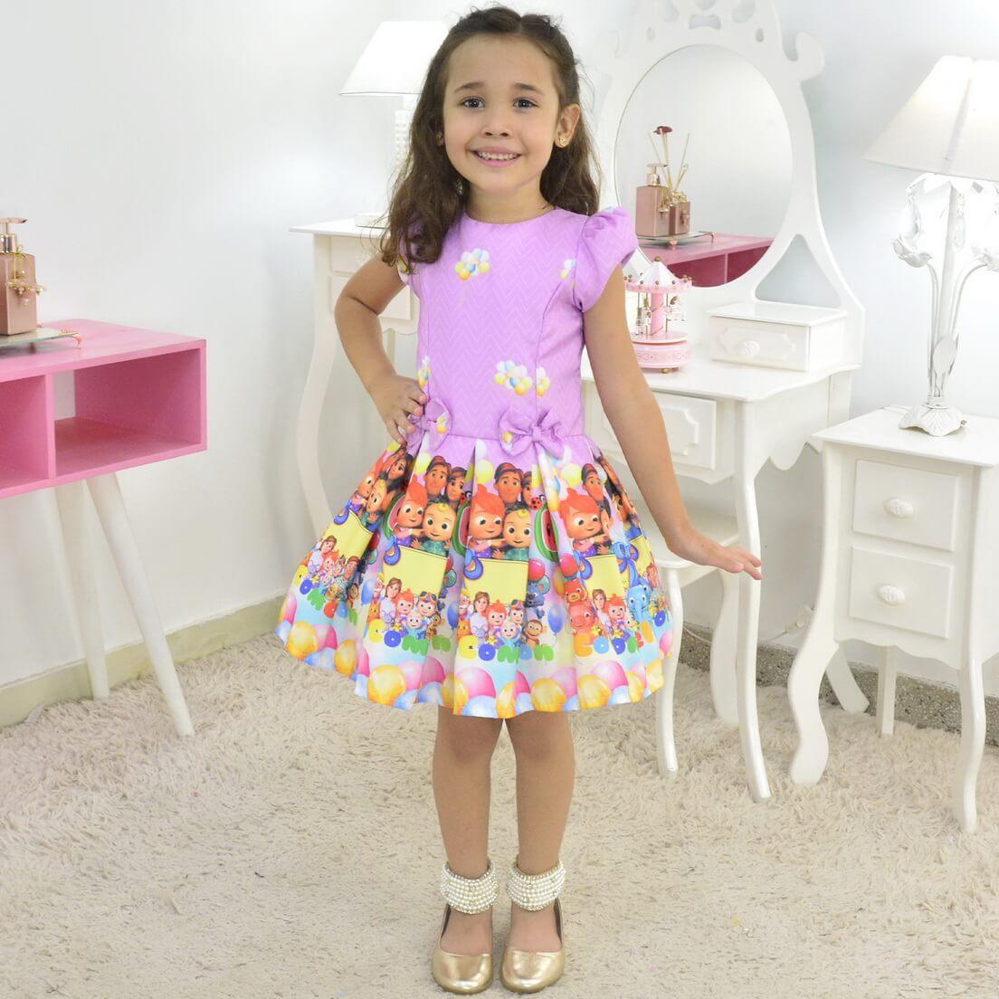Vestido CoComelon Rosa Lilás Festa