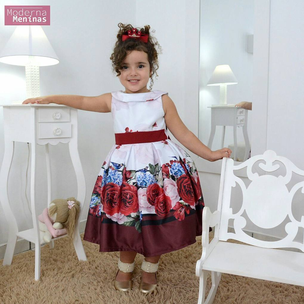 Vestido festa infantil floral com rosas vermelhas e pássaros